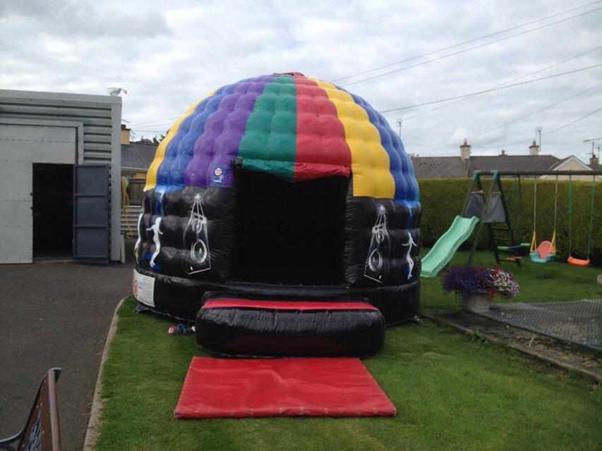 DISCO DOME BOUNCY CASTLE & DISCO DOME BOUNCY CASTLE u2013 Childrens Party Venue u0026 Bouncy Castle Hire